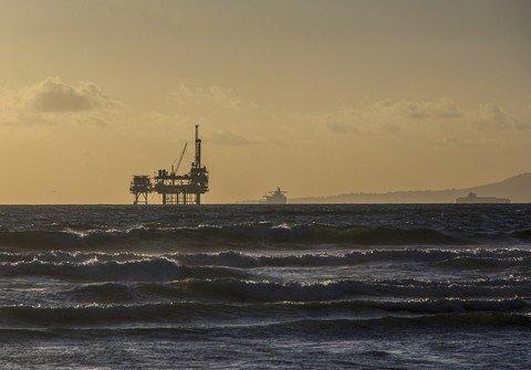 oil-platform-484859_1920_large