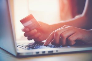 Australia-shopping-credit-card-expensive-online